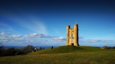 broadway_tower_landscape_Broadway Tower in the Cotswoldsby_grungetv-d4etccn