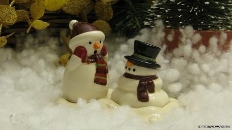 Melting-snowmen-385244