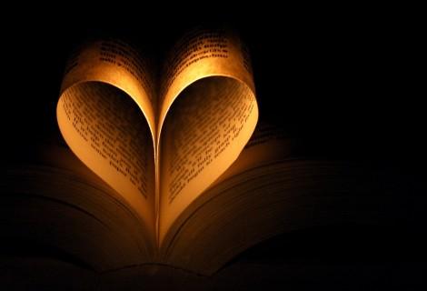 Book pages heart.coeur.herz.coracao.corazon.cuore.paper.papier.papel.livro.book.livre.libro