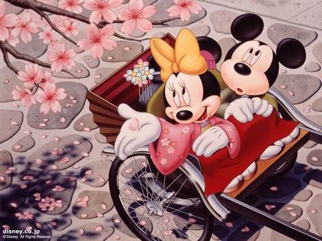 mickey-and-minnie-in-japan