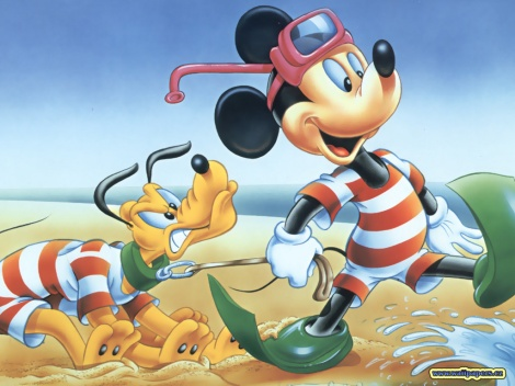 mickey-and-pluto-beach