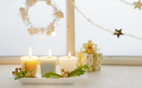 11719-christmas-candles-1680x1050-holiday-wallpaper