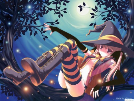Cute-girl-in-witch-dress