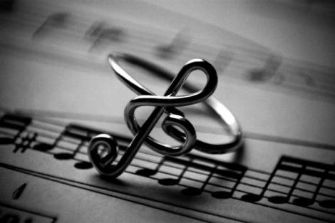 music-notes-ring
