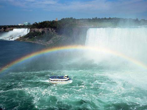 Rainbow_Fantasy,_Niagara_Falls,_Ontario_-_1600x1